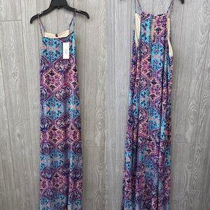 NWT Everly Maxi Dress